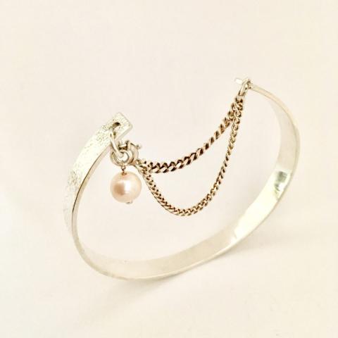 Zilveren armband met zoetwaterparel