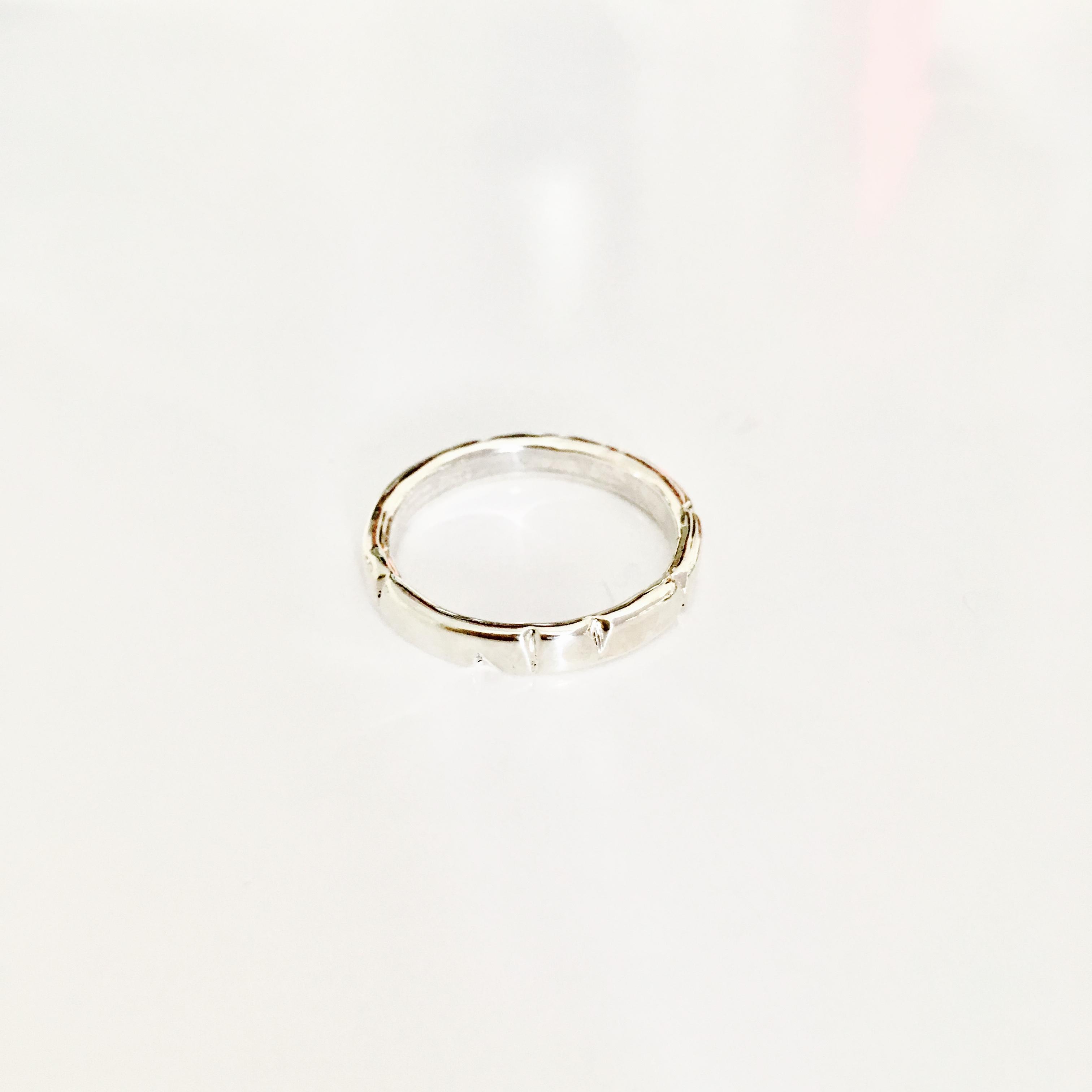 Zilveren bewerkte ring