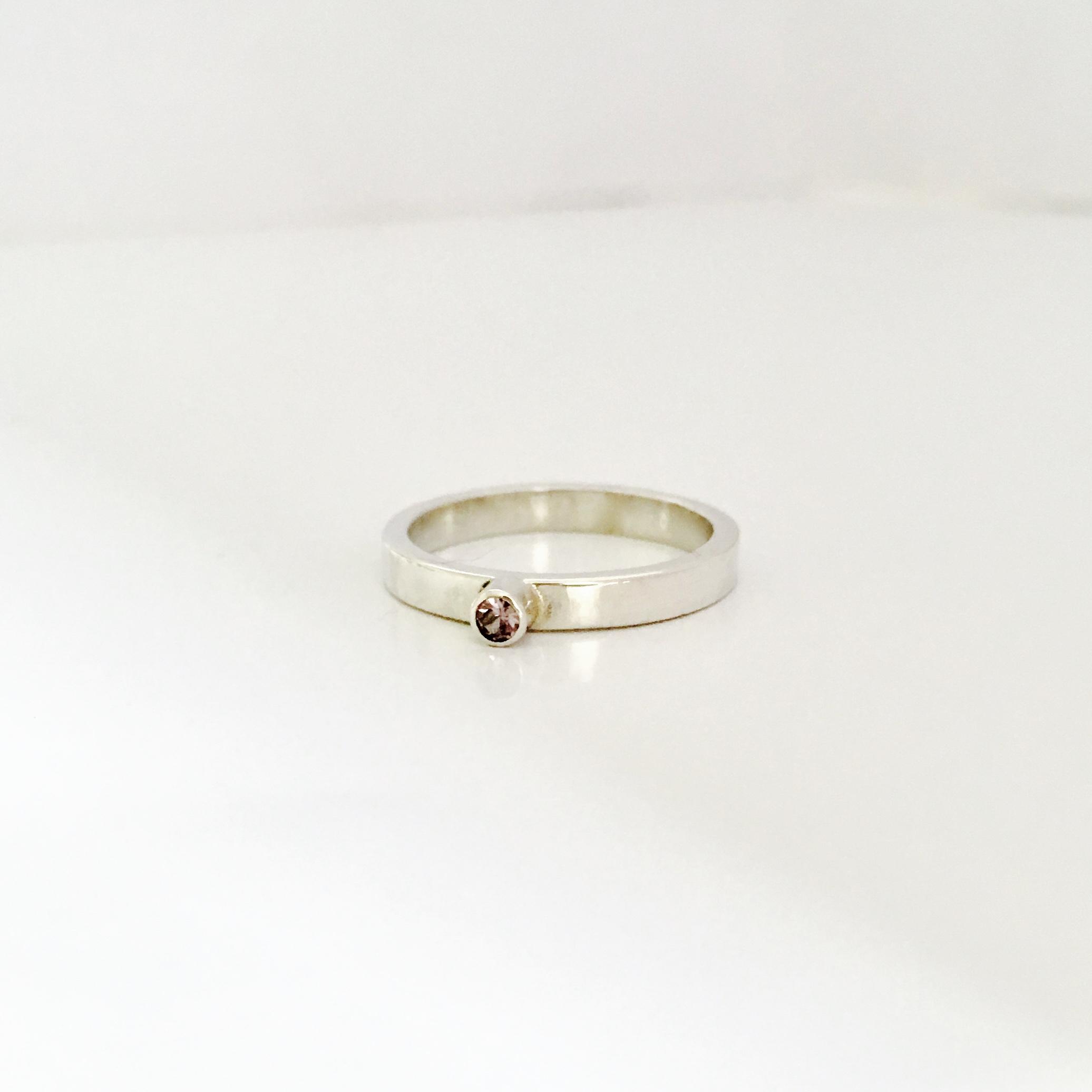 Zilveren ring met alexandriet