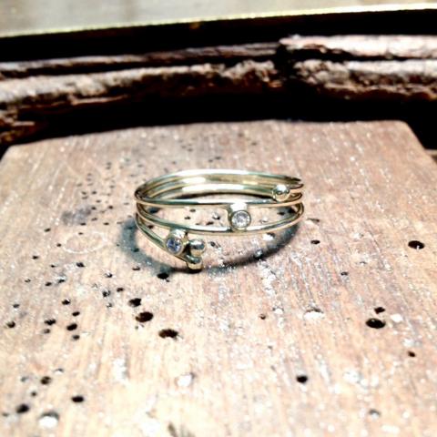 Nieuwe ring met diamantjes