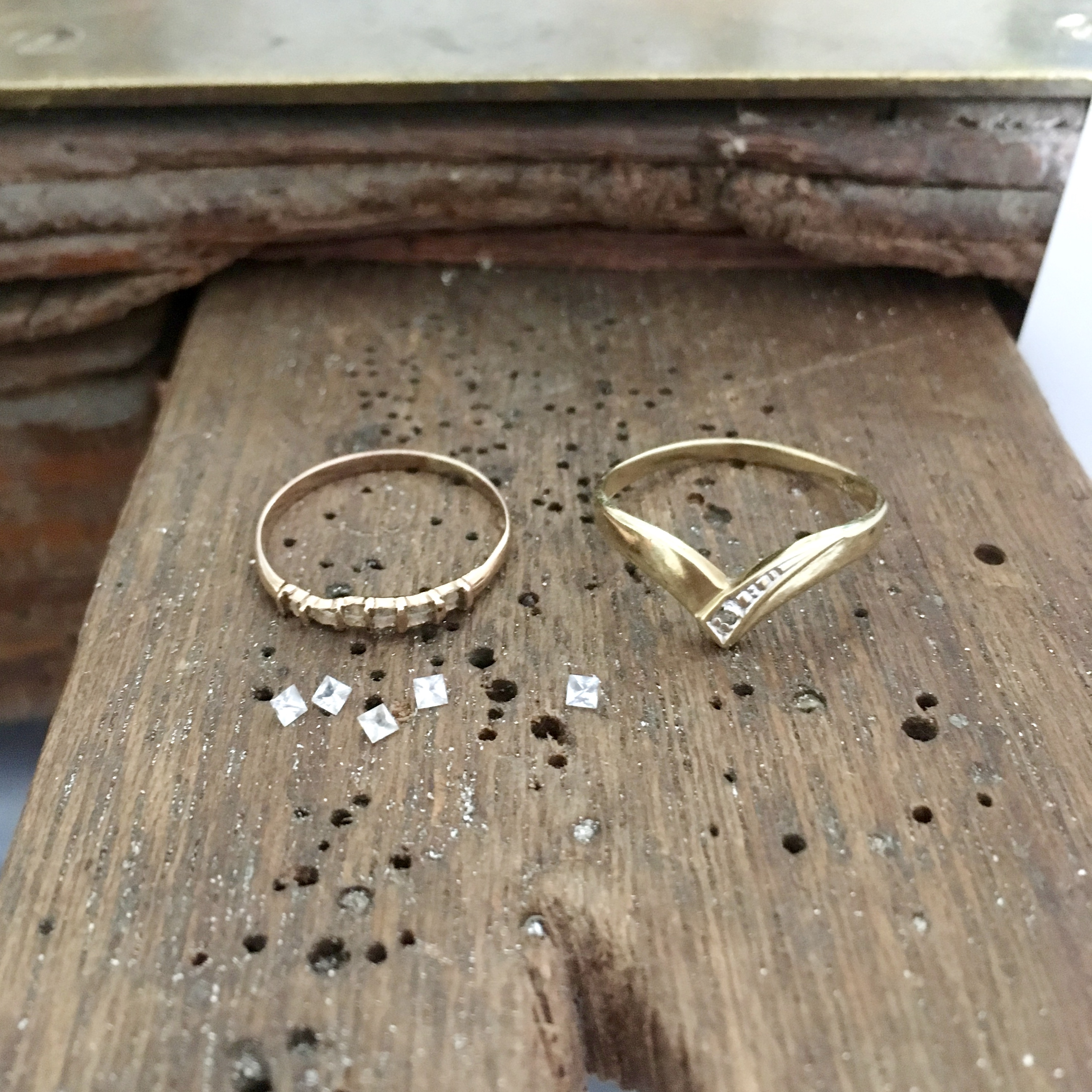 Oude gouden ringen met saffiertjes